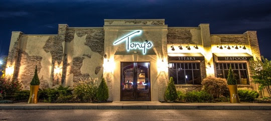 tonys-of-cincinnati-outside-night